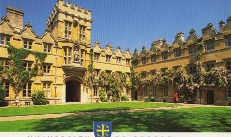 Universitas Oxford Uji Coba Vaksin Ebola