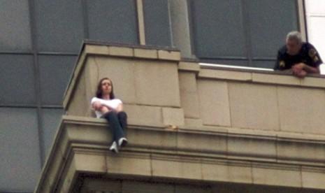 Innalillahi...Mahasiswa Unpad Tewas Loncat dari Lantai 17 Sebuah Apartemen