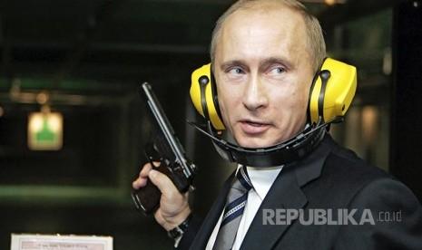 In Picture: Vladimir Putin, Presiden Penuh Aksi