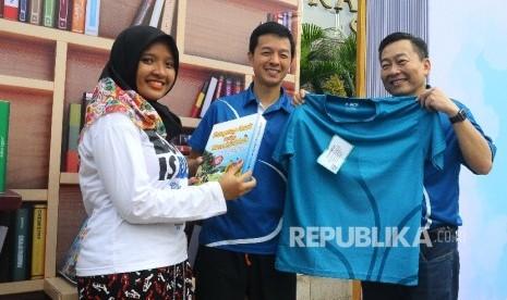 In Picture: Donasi Gerakan 'Buku Untuk Indonesia'