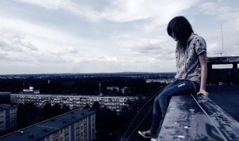 Wanita bunuh diri (ilustrasi).