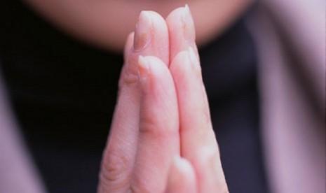 Lara (I), Mantan Atheis Ini Dulu Protes Saat Islam Dipojokkan