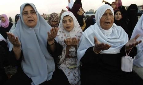 Ismail Haniya Jadi Imam dan Khatib Shalat Idul Adha di Gaza