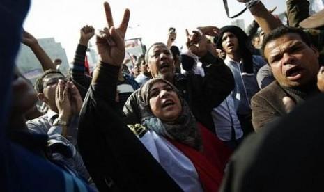 Mesir Kian Membara, Tiga Tewas, 350 Luka-luka