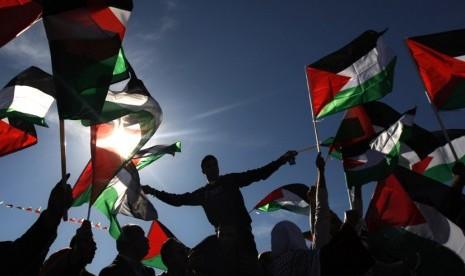 Chomsky: Dunia Kucilkan Amerika-Israel