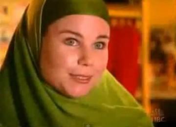 Mualaf Angela Collins: Begini Alasan Saya Menyerahkan Hati Saya pada Islam