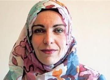 Demi Menemukan Islam, Anna Stamou Rela Jadi