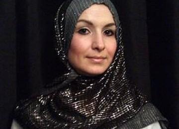 Emma Taylor, Si Dugem Yang Kini Memeluk Islam