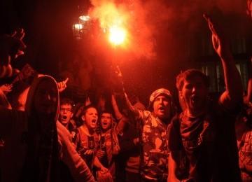 Pesta Kemenangan Barcelona Berujung Bentrok, 17 Masuk RS, 80 Ditahan