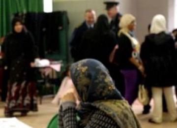Lisa Smith: Mantan Kru Pesawat Militer yang Terpikat pada Islam