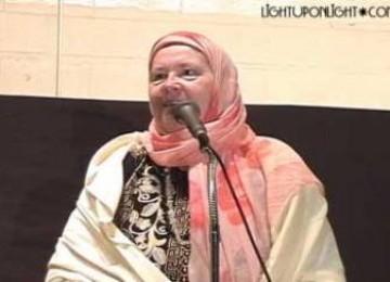 Wanita Atheis Skotlandia Ini Menemukan Islam pada Usia 65 Tahun
