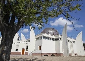 Warga Pinggiran Perancis Pilih Gunakan Nilai Islami