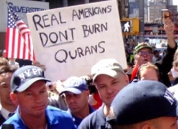 Partai Republik, Berani Lepas Konstituen Besar<a href=http://bandung.blogspot.com> dan </a>Antagoniskan Muslim? (3 habis)