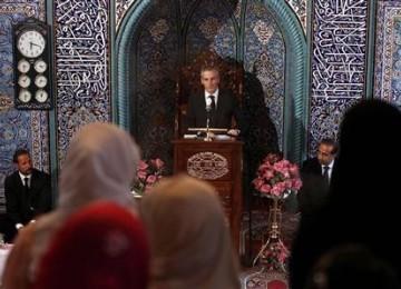 Tak Sakit Hati Sempat Dicurigai Jadi Pelaku Peledakan, Umat Muslim Norwegia Ikuti Acara Perkabungan Nasional