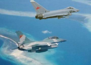 Empat F-16 TNI AU Unjuk Kebolehan Kawal Pesawat Kepresidenan