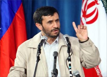 Ahmadinejad: Militer Iran tak Terkalahkan!