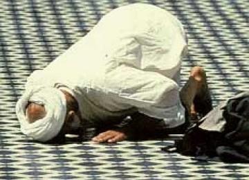 Jelang Malam Lailatul Qadar: Mengapa Doa Kita Tak Terkabul?