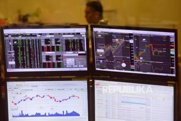 Layar Pergerakan indeks harga saham gabungan (IHSG) di Bursa Efek Indonesia (BEI), Jakarta. ilustrasi
