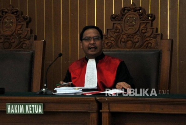 Kuasa Hukum Setnov Hormati Putusan Hakim Kusno