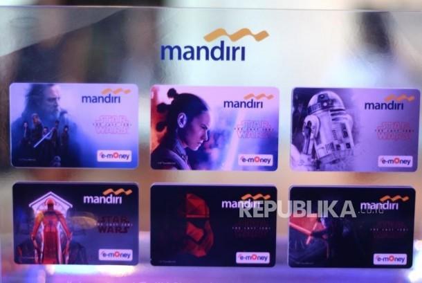 e-Money Edisi Khusus Star Wars. Enam seri kartu uang elektronik Bank Mandiri edisi khusus Star Wars di Jakarta, Rabu (13/12).