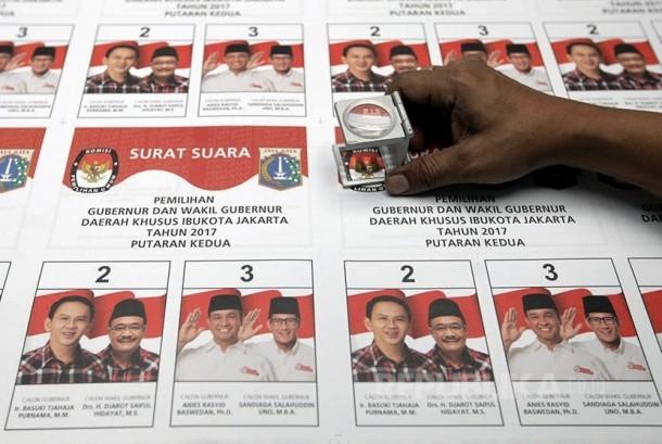Surat suara untuk putaran kedua Pilkada DKI Jakarta.