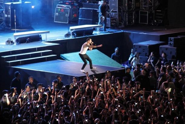 Aksi panggung Chester Bennington saat konser bersama Linkin Park di Jakarta (ilustrasi).