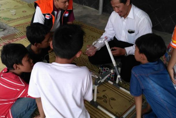 Aktivitas lomba 17an di kampung sains.