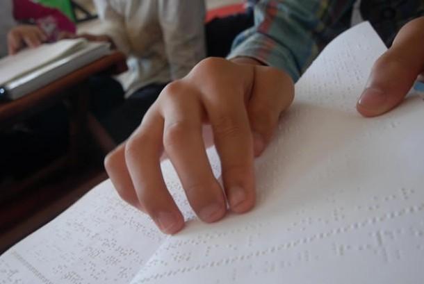 Semangat Kaum Difabel Mengaji Alquran Braille