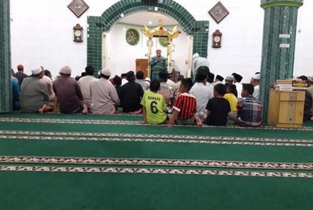Aliansi Pemuda Peduli Masjid Singaraja mengadakan gerakan Shalat Qiyamul dan Subuh Berjamaah di Masjid Agung Jami Singaraja