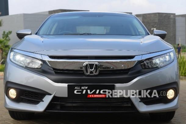 All New Honda Civic saat difoto di Dago Pakar, Bandung, Jawa Barat.  (Republika/Raisan Al Farisi)