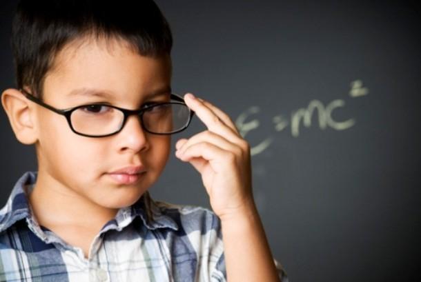 Anak dengan bakat cemerlang dan kecerdasan lebih sering diperlakukan salah sehingga malah kesulitan ketika belajar di sekolah (ilustrasi)