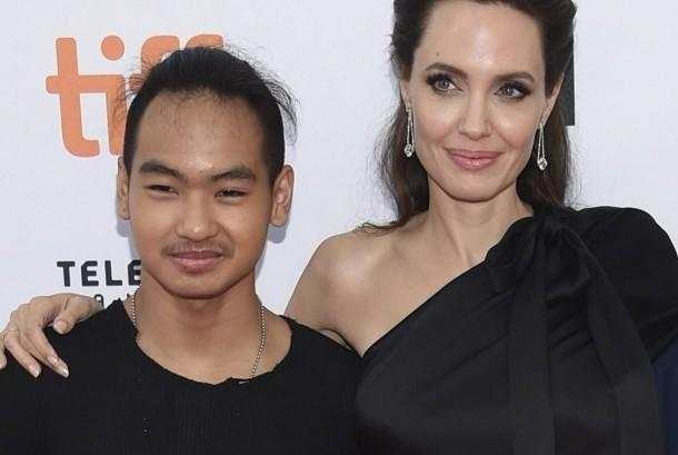 Angelina Jolie dan anak tertuanya, Maddox Jolie Pitt