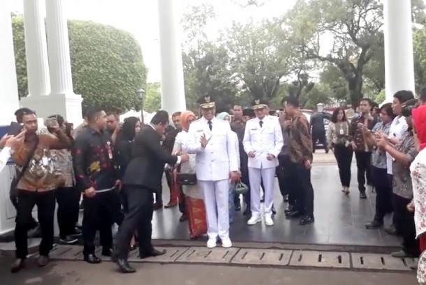 Anies Baswedan dan Sandiaga Uno saat acara pelantikan sebagai Gubernur dan Wakil Gubernur DKI Jakarta (ilustrasi)