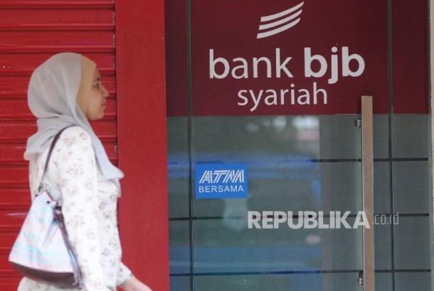 Anjungan tunai mandiri (ATM) Bank Jabar Banten Syariah (BJBS)