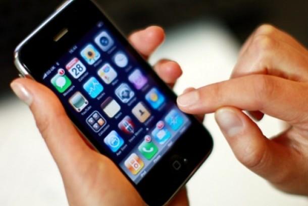 Aplikasi di ponsel. Ilustrasi