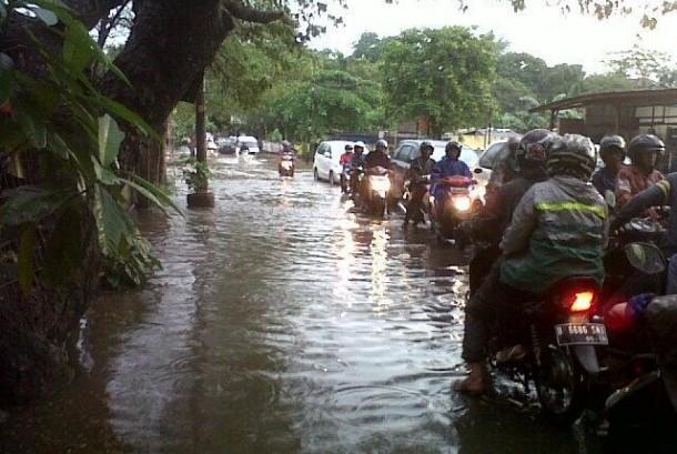 Hujan Deras, Beberapa Titik Banjir Terjadi di Bintaro