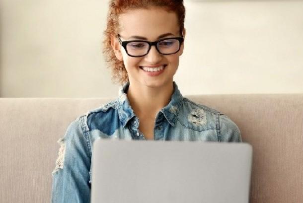 Belajar program komputer. Ilustrasi