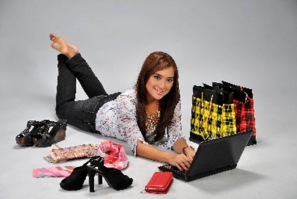Belanja online (ilustrasi)
