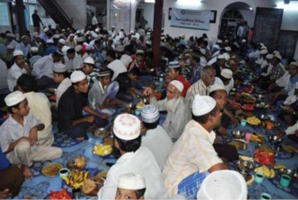 Berbuka puasa bersama Muslim Myanmar (Ilustrasi)