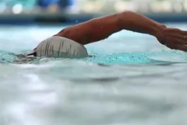Berenang (ilustrasi)
