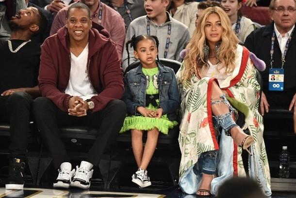 Blue Ivy bersama Beyonce dan Jay-Z.