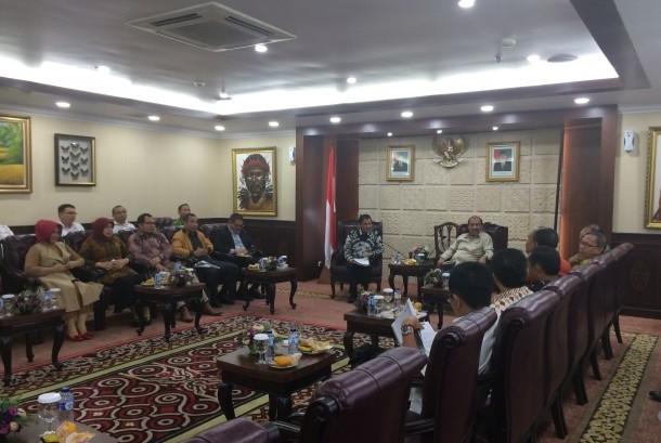 Bupati dan Wakil Bupati dari daerah yang terdapat danau datang kepada DPD RI untuk menyampaikan aspirasi soal permasalahan danau.