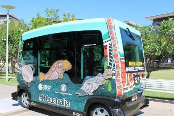 Bus tanpa sopir di Darwin memasuki uji coba tahap kedua dimana bus akan berjalan di jalur pejalan kaki di sepanjang Darwin Waterfront.