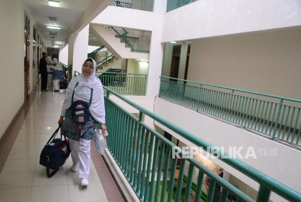 Calon jamaah haji di Asrama Haji Pondok Gede, Jakarta Timur (ilustrasi).