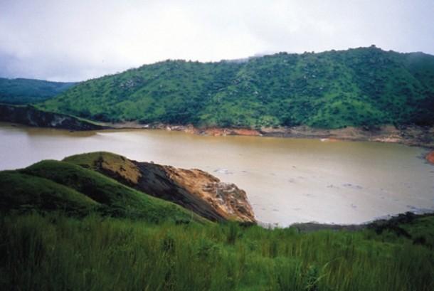 Danau Nyos di Kamerun.