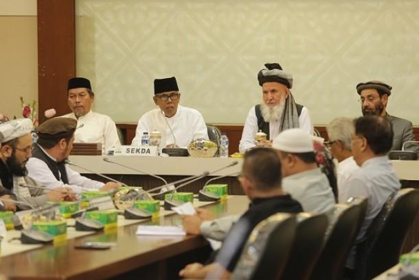Delegasi Afghanistan berkunjung Aceh untuk mempelajari proses perdamaian di Aceh, Jumat (24/11)