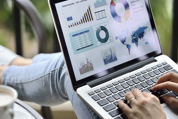 Digital marketing atau pemasaran digital. Ilustrasi