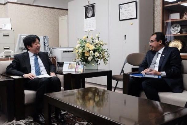 Direktur Jenderal Bea Cukai Heru Pambudi bertemu dengan Duta Besar RI untuk Jepang Arifin Tasrif.
