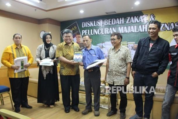 Diskusi Bedah Zakat dan Peluncuran Majalah BAZNAS di Kantor BAZNAS,  Jakarta, Rabu (22/11).