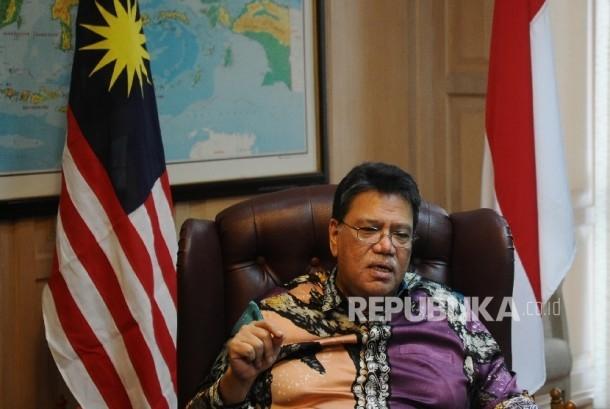 Dubes Malaysia untuk Indonesia Zahrain Mohamed Hashim berbicara kepada media terkait Siti Aisyah, tersangka kasus pembunuhan Kim Jong Nam di Kedubes Malaysia, Jakarta, Kamis (23\2).